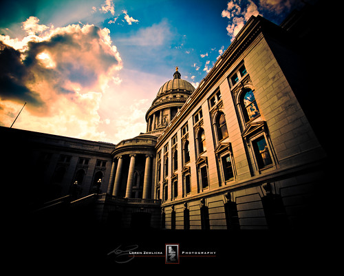 windows light shadow sky reflection classic wisconsin architecture clouds america photography photo democracy republic image columns picture capitol madison american dome government civic georgian rays canonef1740mmf4lusm beams canoneos5d danecounty lorenzemlicka