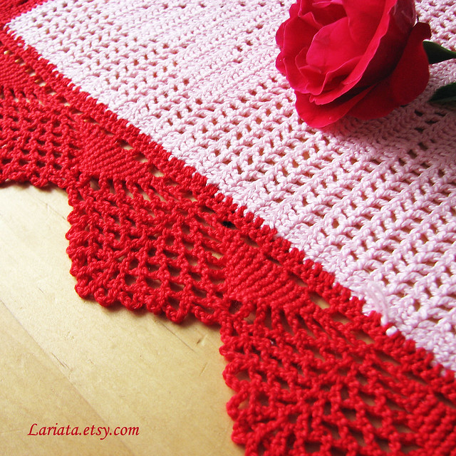 Free Crochet Patterns For Christmas Table Runners : free christmas crochet table runner patterns