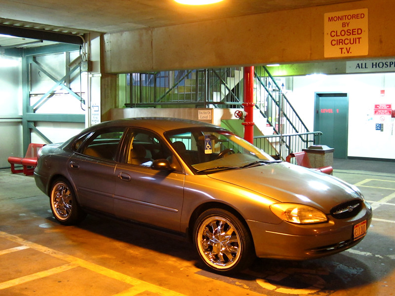 pimped out ford taurus a photo on flickriver. Black Bedroom Furniture Sets. Home Design Ideas