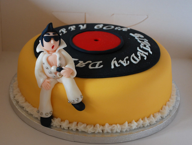 Elvis Cake Ideas http://www.flickr.com/photos/29728544@N04/4890675815/