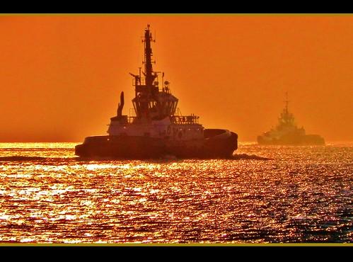 sunset america maritime tugboat foss waterway orangeglow carquinezstrait tractortug beniciacalifornia