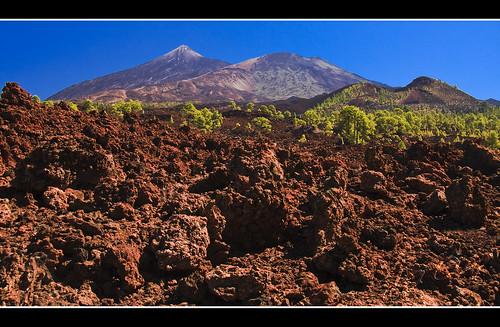 Un suelo pedregoso y calcinado a photo on flickriver for Suelo pedregoso