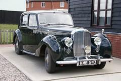 rolls-royce silver dawn(0.0), touring car(0.0), automobile(1.0), rolls-royce phantom iii(1.0), vehicle(1.0), antique car(1.0), sedan(1.0), classic car(1.0), vintage car(1.0), land vehicle(1.0), luxury vehicle(1.0),