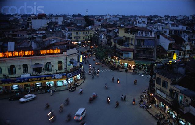 Hanoi - Intersection in Old Quarter, ca. 2001 - Quảng trường Đông Kinh Nghĩa Thục