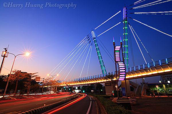 3_MG_7687-The Wing of Shalu, Taichung, Taiwan 沙鹿之翼-人行天橋-天橋-陸橋-馬路-道路-交通-運輸-交通安全-黃昏-夜景-台中市-沙鹿區