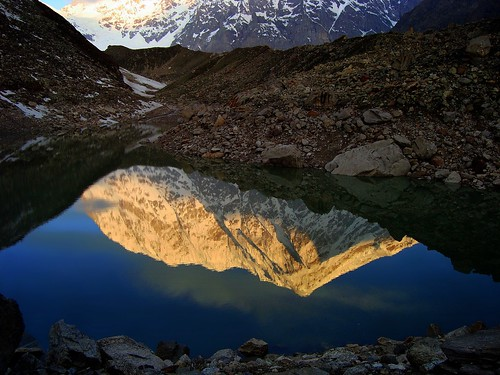 india mountain lake reflection sunrise landscape dawn peak alpine loch himalaya tal highaltitude morn garhwal badrinath lopamudra satopanth satopant chowhamba
