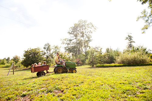 family tractor wagon notmine kid nathan thomas bart hudson emory littlekid emmi 2470mm