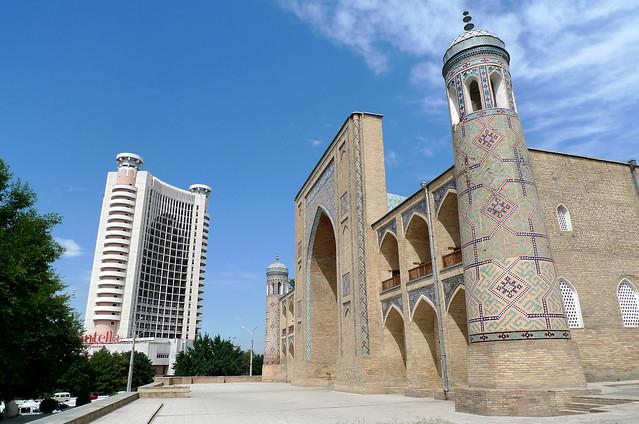 Toshkent (Uzbekistan) - Kukeldash Medresa and Chorsu Hotel