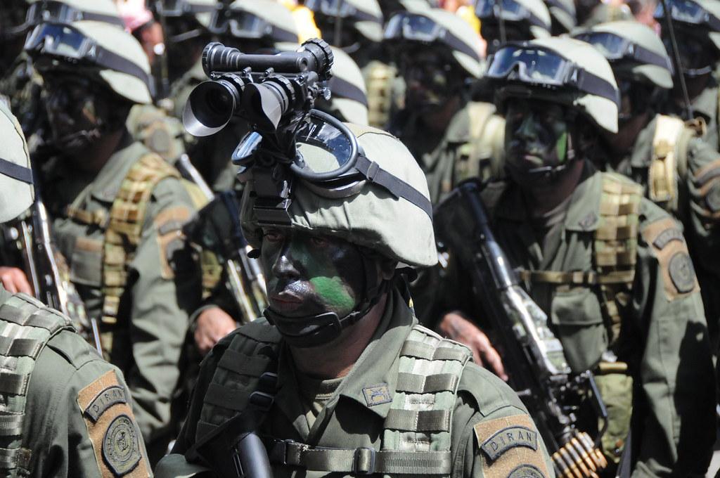 Comandos jungla de la policía nacional de colombia ronald dueñas jpg  1024x680 Junglas de colombia 1530f40f296