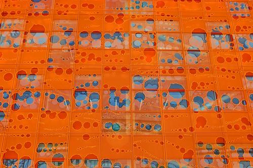 Lyon Confluence Le Cube Orange 21