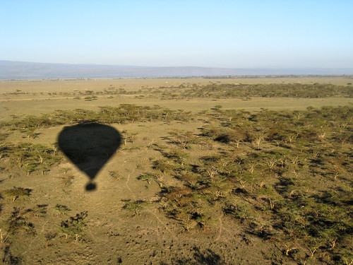 shadow silhouette geotagged flying kenya balloon fromabove hotairballoon elementaita geo:lat=045052064128818486 geo:lon=361644172668457 0tagged set:name=200911kenya
