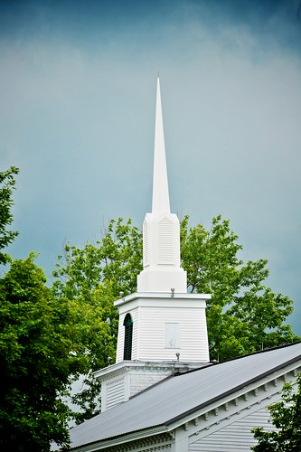 wood old trees roof sky white newyork building history church clouds nikon bell steeple leafs eaves fabius d700 afvrzoomnikkor80400mmf4556ded yourphototips scottwdw scottthomasphotography