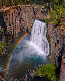 Rainbow Falls at Mammoth California