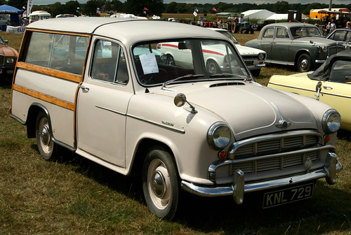 Lingfield Steam & Country Show - 1956 Morris Oxford Estate