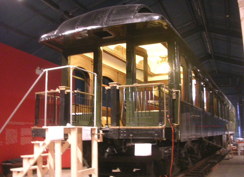 Circus Museum - John Ringling's Railroad Car