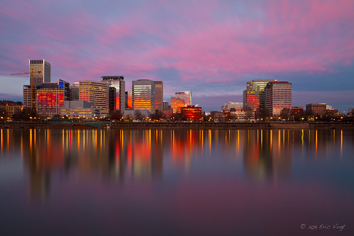 longexposure bridge reflection oregon sunrise river portland dawn lights citylights pdx willametteriver willamette goldenhour eastbankesplanade ericvogt