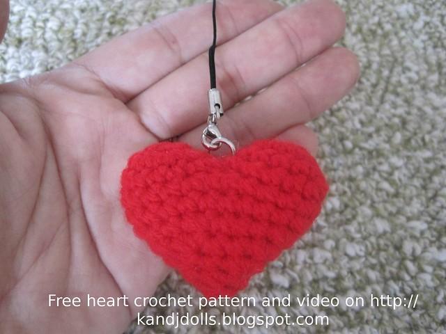 Free Crochet Pattern For A Large Heart : Crochet Heart Free crochet pattern: kandjdolls.blogspot ...