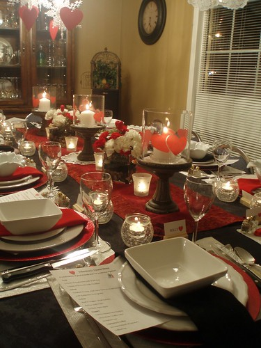 Dining delight valentine dinner party for twelve for Valentine day dinner party ideas