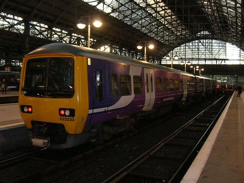 Class 323 EMU, Manchester Piccadilly station