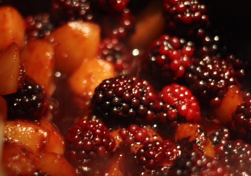 268/365 - Blackberries and pears