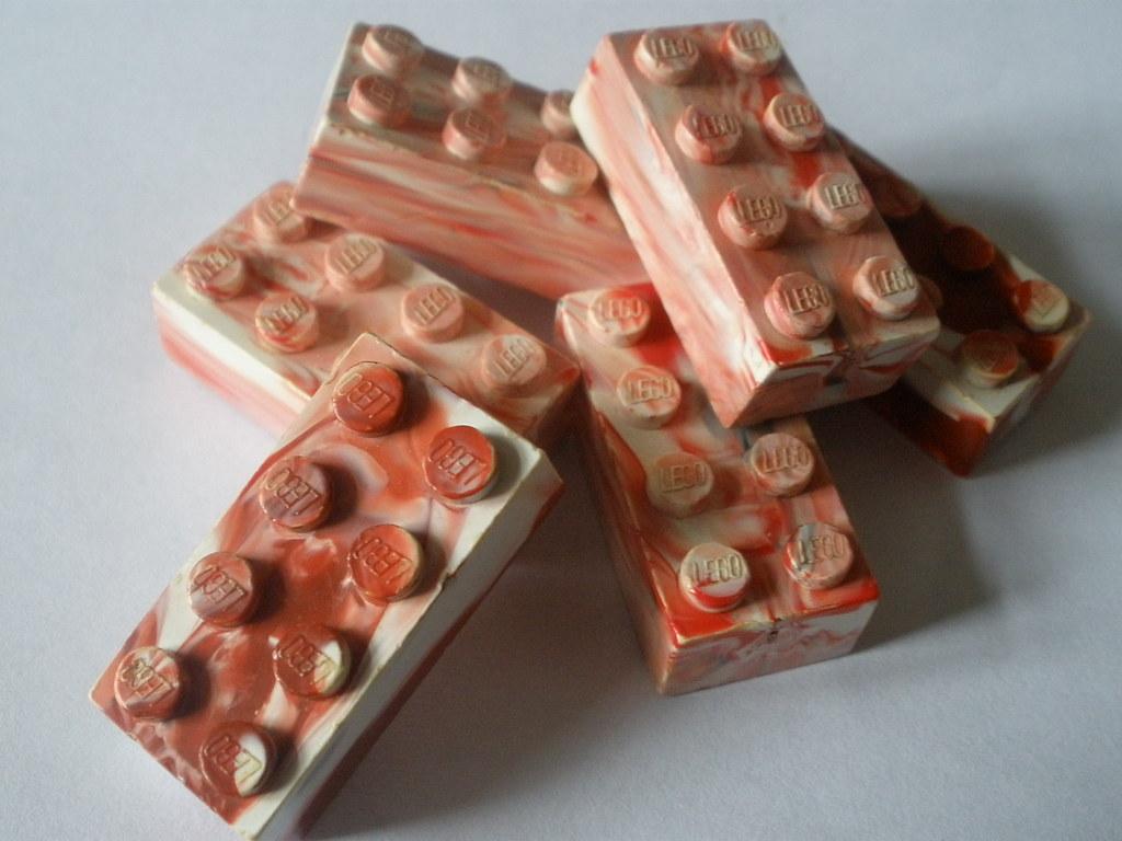 LEGO: Wrexham Marble red/white
