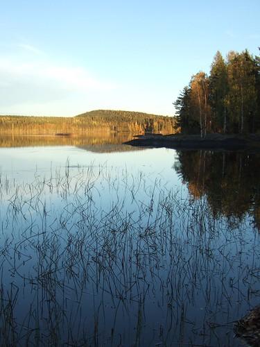 autumn sky lake reflection fall finland woods fallcolors autumncolours rush keuruu pohjoisjärvi