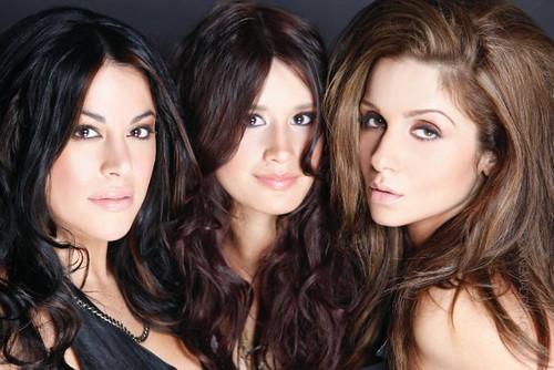 Kalea hair care models