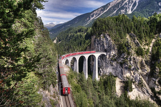 rhaetian railway @ landwasser viaduct switzerland