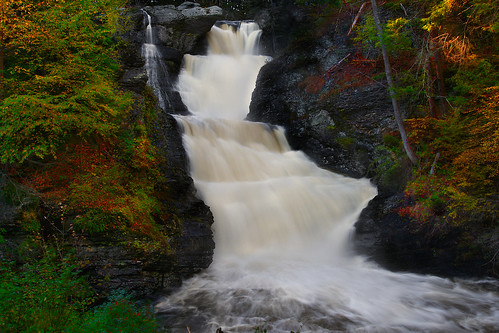 park longexposure autumn fall nature landscape waterfall scenery pennsylvania autumnleaves fallfoliage huge poconos raymondskill dingmansferry raymondskillfalls