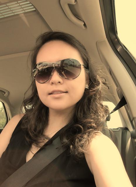 可爱美女车里自拍照