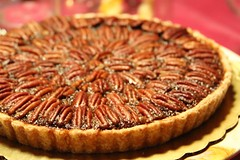 sweet potato pie, baking, linzer torte, baked goods, pecan pie, tart, food, dish, cuisine,