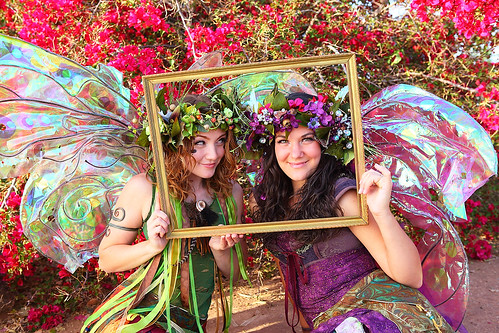 Twig and Zinnia with the Magical Photo Frame