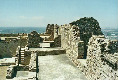 india architecture forts rajasthan chittorgarh rajput 7thcentury mauryans