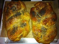 roasting(1.0), baking(1.0), tsoureki(1.0), bread(1.0), baked goods(1.0), challah(1.0), food(1.0), dish(1.0), cuisine(1.0), brioche(1.0),