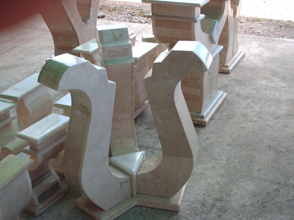 comedores 6 ptos base de marmol y vidrio de 19 lineas bs