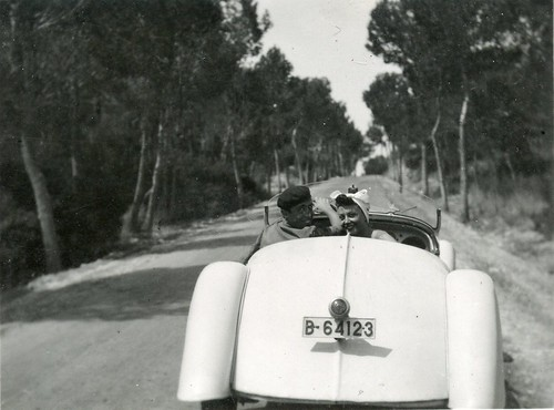 Fernando Nogués i Maria Luisa Guizy en un Adler als anys 1940