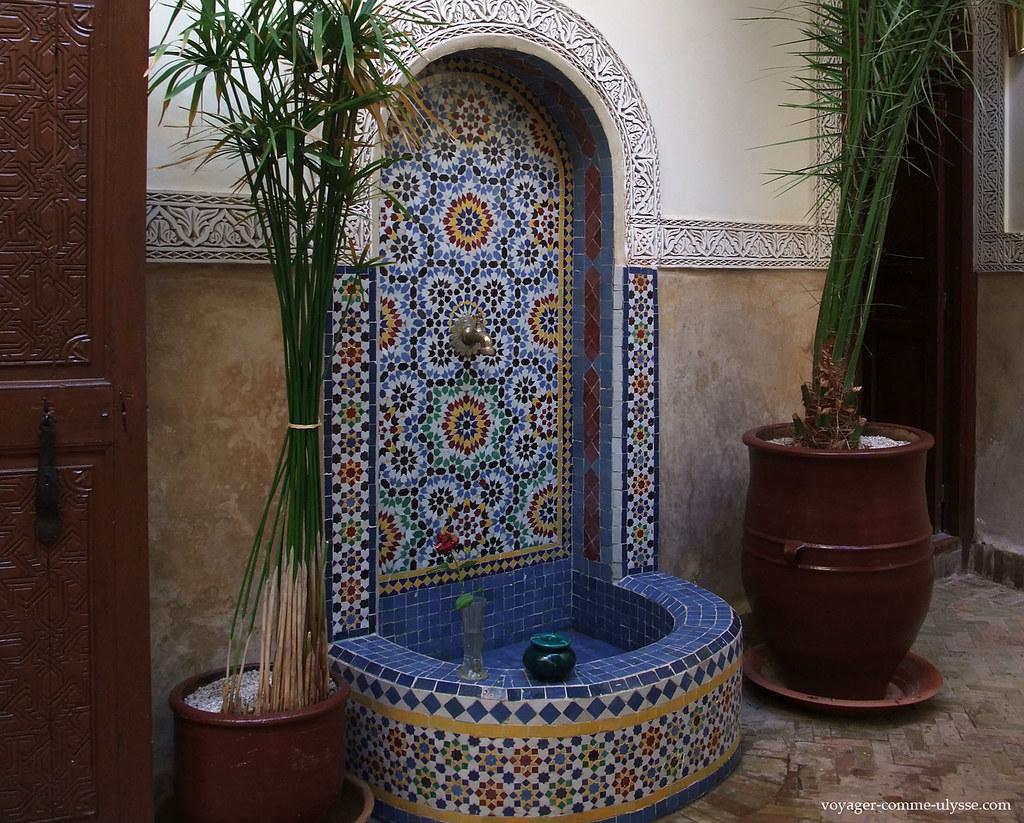 Le riad de marrakech la recherche de la maison id ale for Couvrir une cour interieure