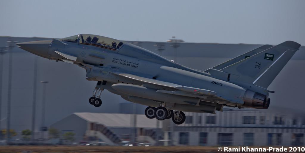 الموسوعه الفوغترافيه لصور القوات الجويه الملكيه السعوديه ( rsaf ) - صفحة 4 5067684725_46dc8e00be_b