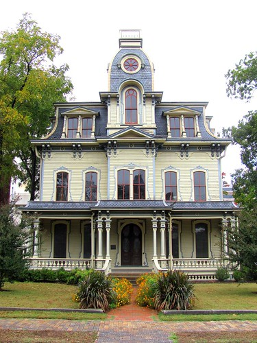 1 Heck-Andrews House, Front