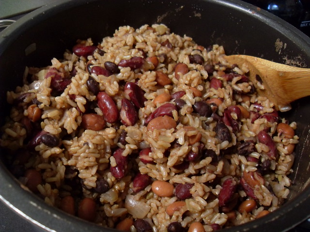 Rice and Bean Burrito Filling   Flickr - Photo Sharing!: http://flickr.com/photos/yssirhcmik/5172027544