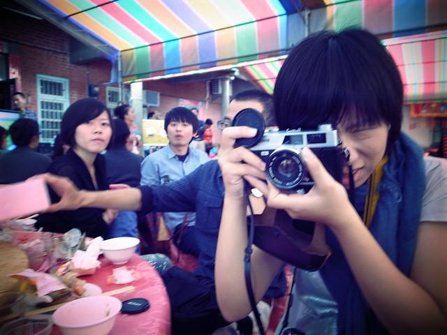 拍照时的表情 宽500x375高