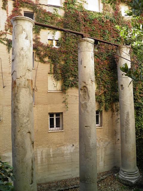 Columns of the Temple of Hercules, Hispalis