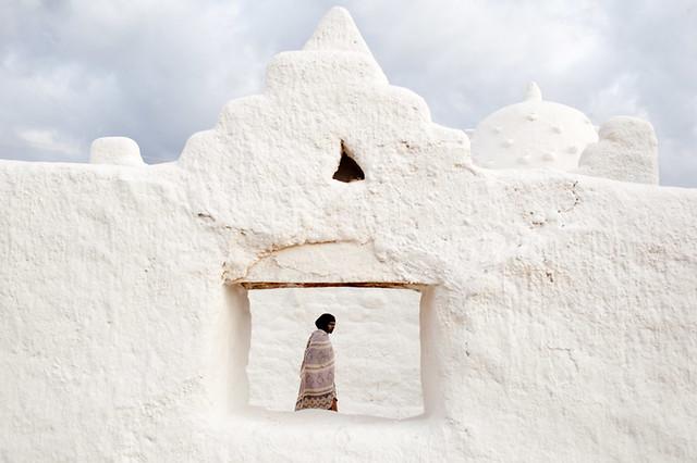 Sheikh Hussein - Minimalism in Street Photography
