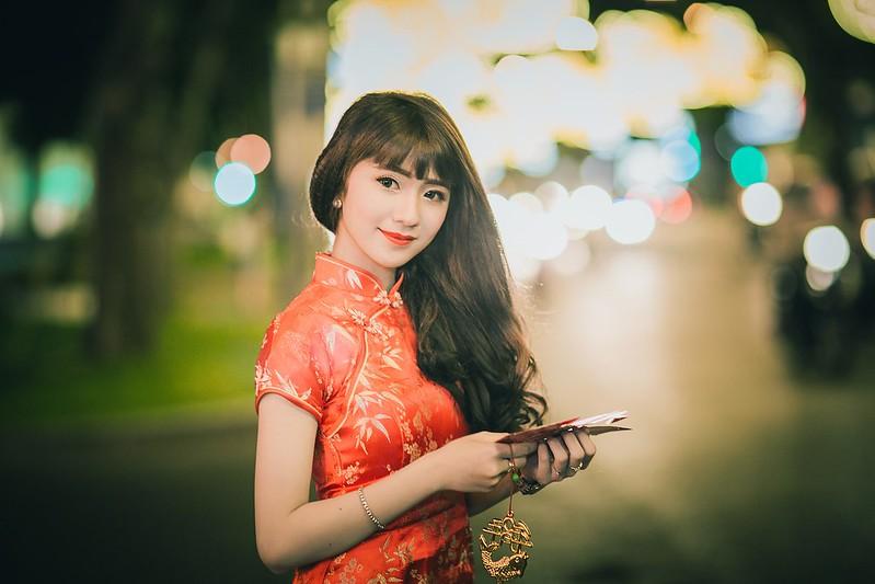 girl-2132171_1920