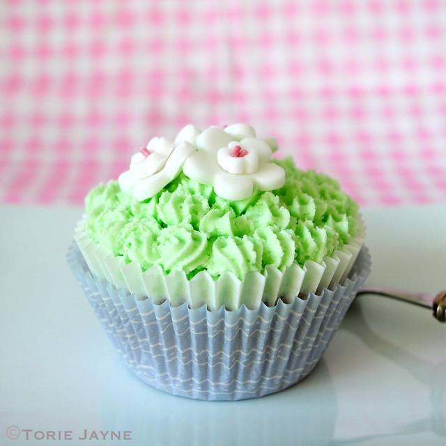 Gluten free pear & maple cupcake