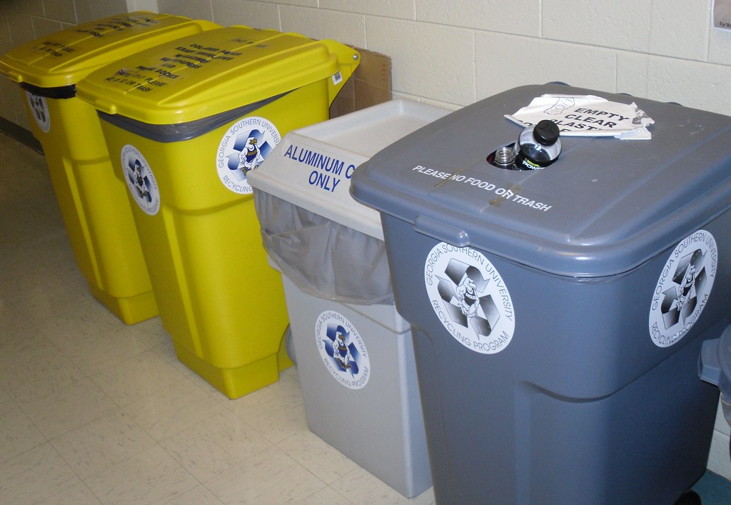 Biology Building: Hallway Recycling Bins