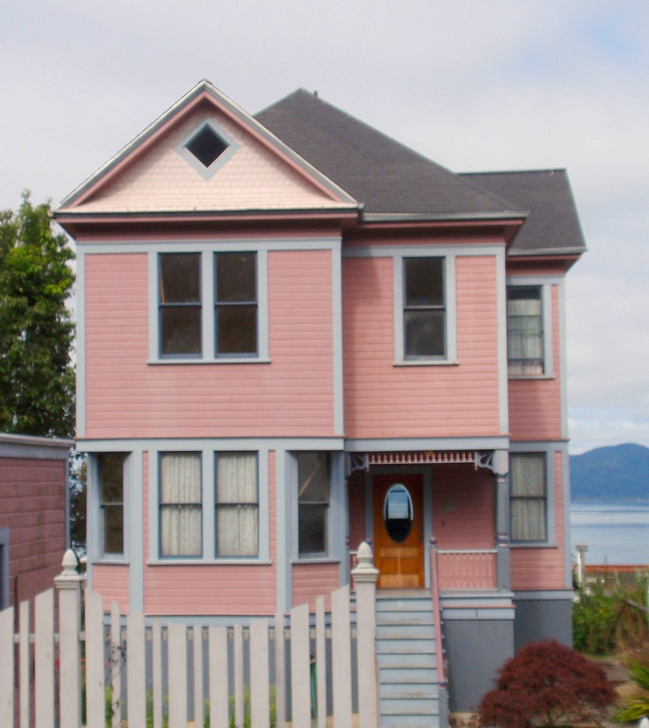 Pink/peach & blue Victorian house, Astoria, Oregon - a photo on ...