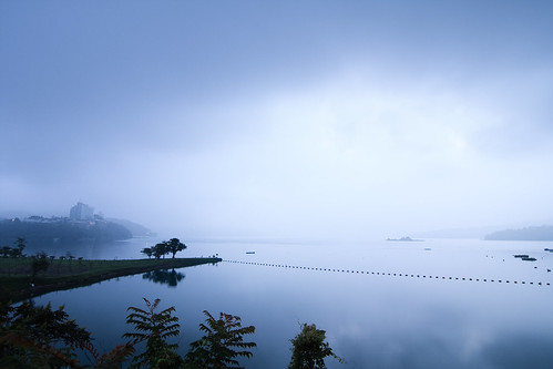 morning lake mountains reflection misty fog sunrise day foggy taiwan 南投 台灣 山 日月潭 sunmoonlake nantou 湖泊 日出 霧 倒影 出水口