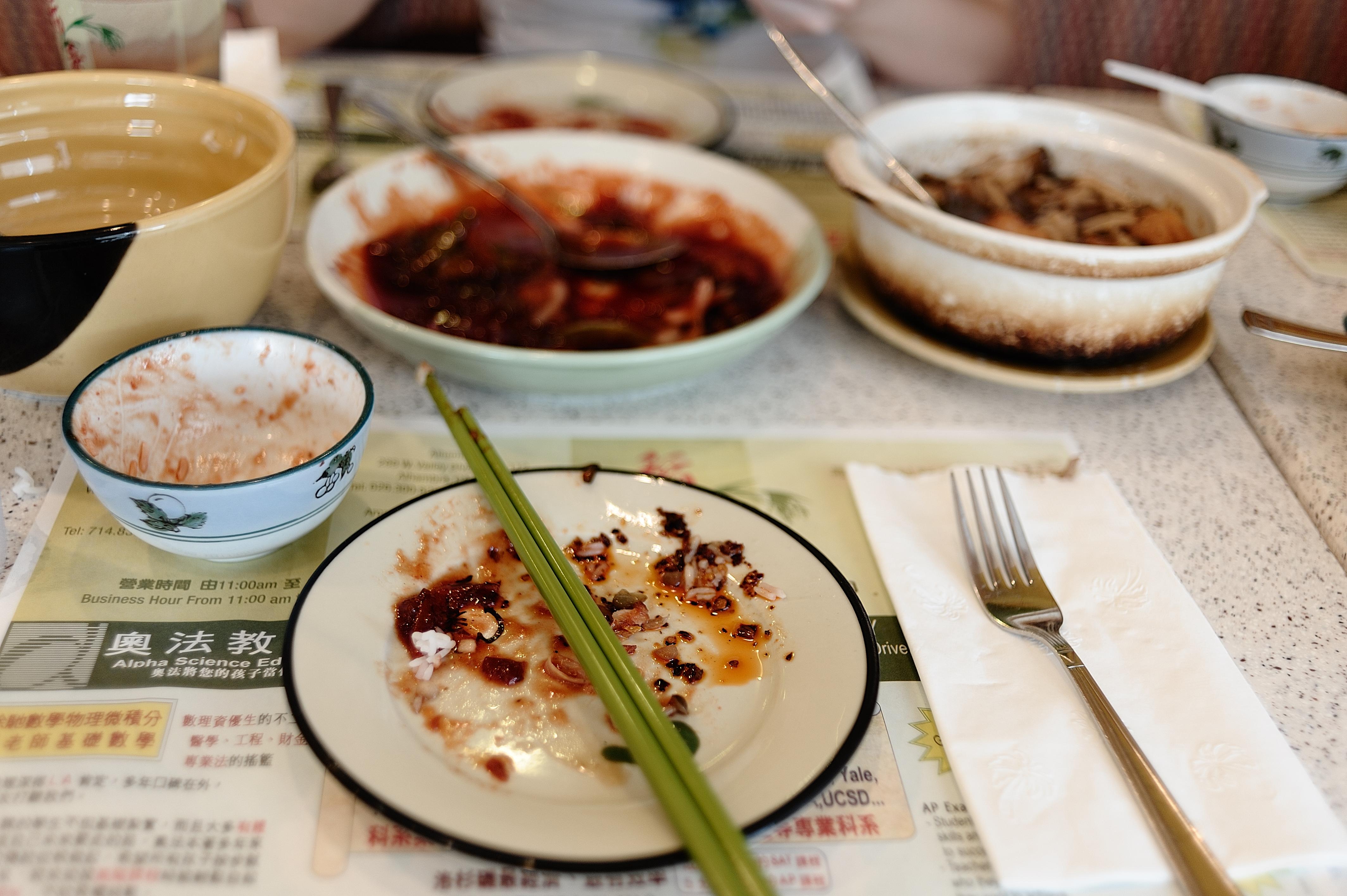 Могут ли отказать в возврате протухшей еды