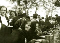 Avila. Comedor de pobres frente al convento de San Antonio.